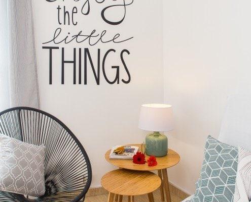 Fotografía de interiorismo de la decoración de un apartamento turistico en Barcelona