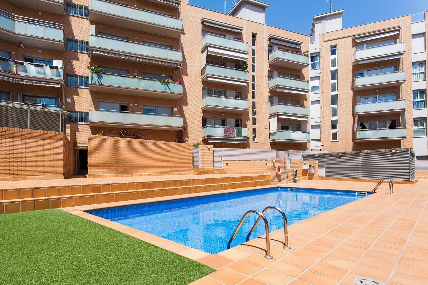 Fot grafo inmobiliaria real estate photographer barcelona for Portales inmobiliarios barcelona