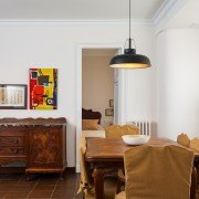 Foto Lateral de la mesa del comedor