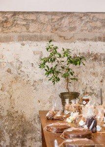 Dulces decorados en la mesa