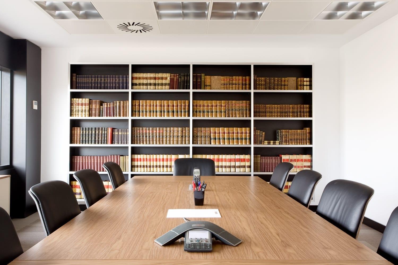 Oficinas de abogados ideas de disenos for Booking barcelona oficinas