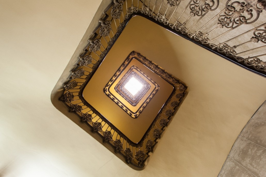 Fotografía de una escalera..