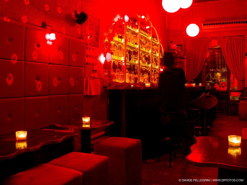 Luz Roja en el característico bar del Borne