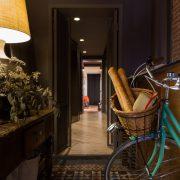 Fotografía de interiorismo del recibidor de un estudio de arquitectura