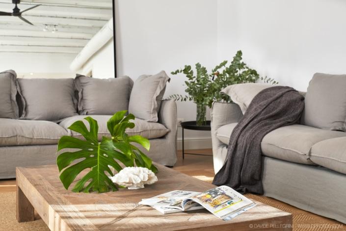 Fotografía de interiorismo de una zona de sofás