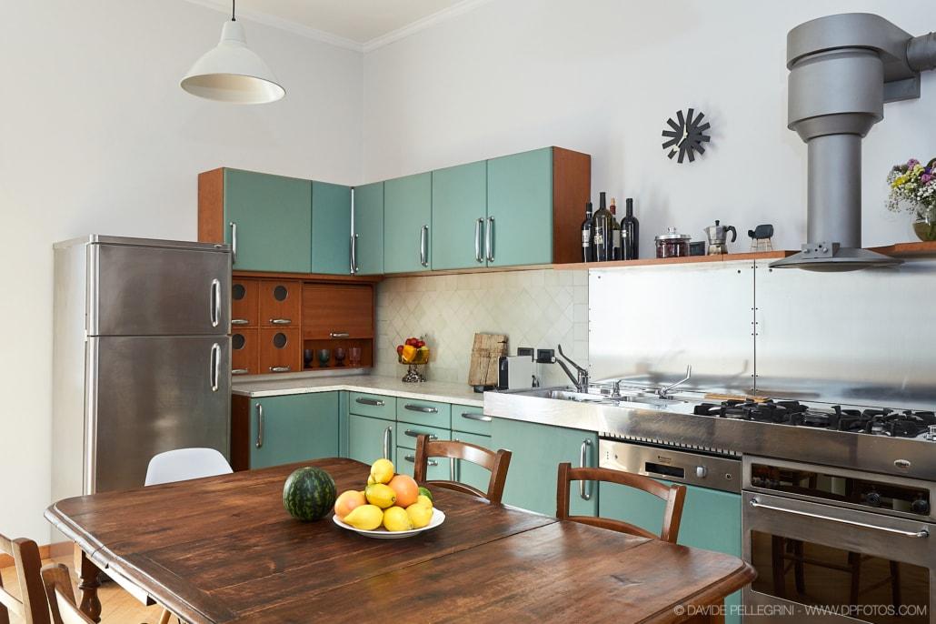 Fotografía de la cocina de un apartamento turístico