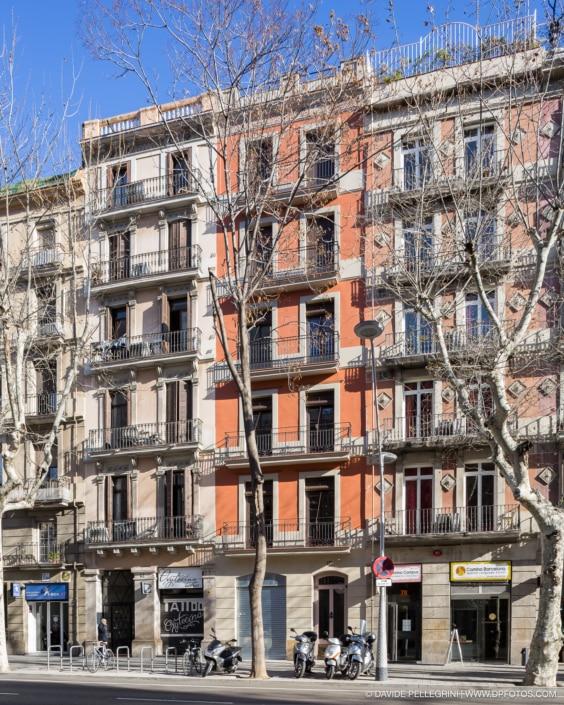 Fotografía de arquitectura de la reforma de una fachada en Barcelona